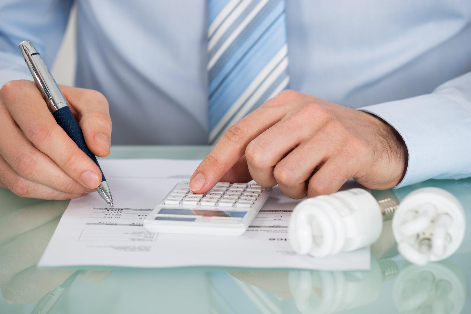 Jak zmienią się nasze rachunki za energię elektryczną w przyszłym roku? - Aktualności - Urząd Regulacji Energetyki